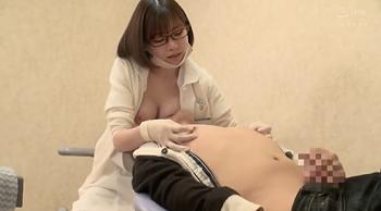 歯医者に行ったら超美人な巨乳の先生が、美乳を押し付けて、僕の乳首いじってきた!