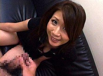 【センズリ鑑賞】フェロモン長身美人妻が、何も言わずに勝手に肉棒をお口に咥えだして、全裸になってオナニーサポートしてくれた!