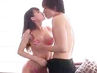 綺麗なホテルの一室でモデル系の綺麗な巻き髪美女と2人とも積極的な濃厚セックス